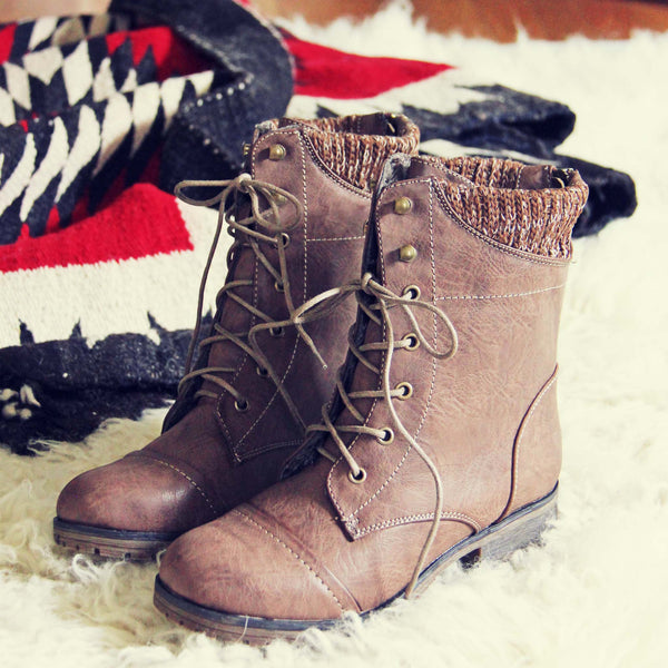 Cascade Lakes Boots in Taupe: Featured Product Image