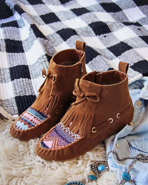 The Chinook Moccasins: Featured Product Image
