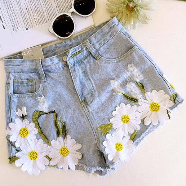 Daisy Sky Shorts: Featured Product Image