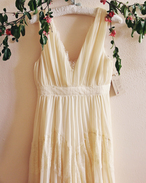 Grecian Lace Dress in Cream: Featured Product Image