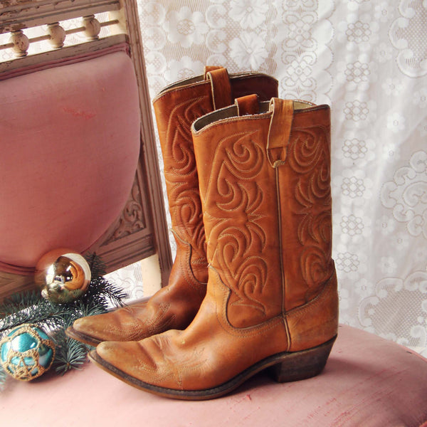 Hennessey Vintage Boots: Featured Product Image