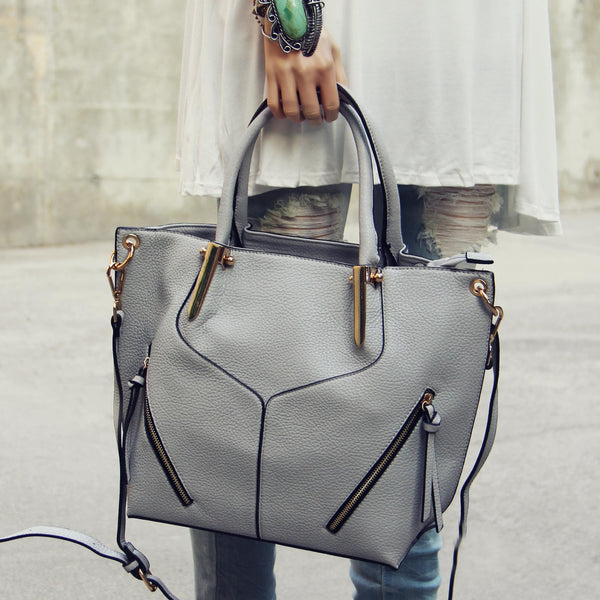 L'hiver Tote: Featured Product Image