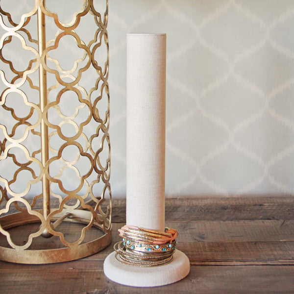 Linen Bracelet Stand: Featured Product Image