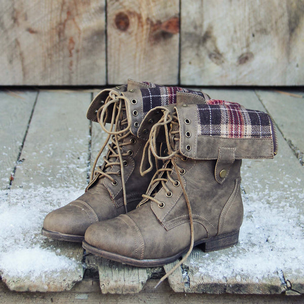 The Lodge Boots in Birch: Featured Product Image