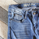The Lundi Distressed Jean: Alternate View #2