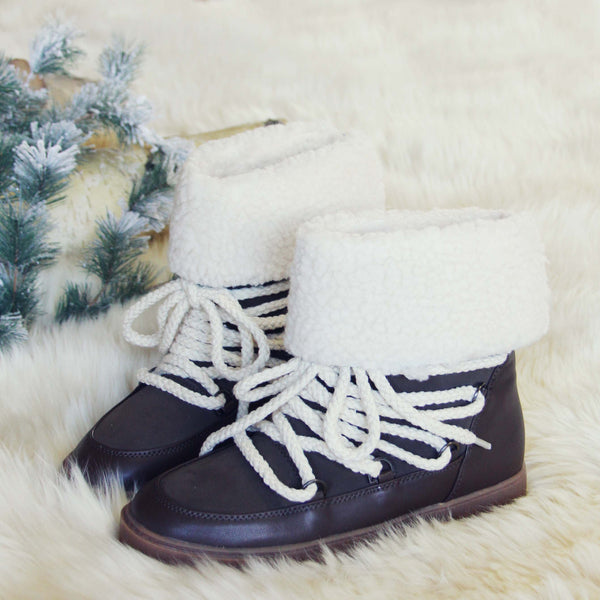 Nanook Snow Boots in Brown: Featured Product Image