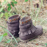 Pine Grass Moccasins: Alternate View #3