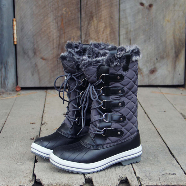 Smoke & Frost Snow Boots: Featured Product Image