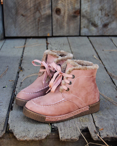 Snowfield Boots: Featured Product Image