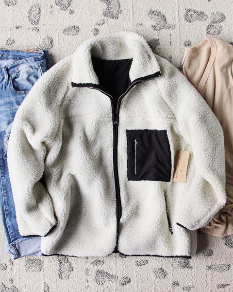 Snowy Treck Coat: Featured Product Image