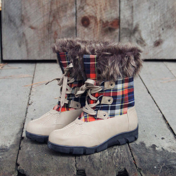 Tartan Flurries Snow Boots in Smoke: Featured Product Image