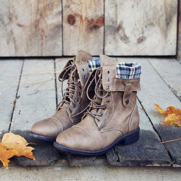 The Lodge Boots in Ash: Featured Product Image