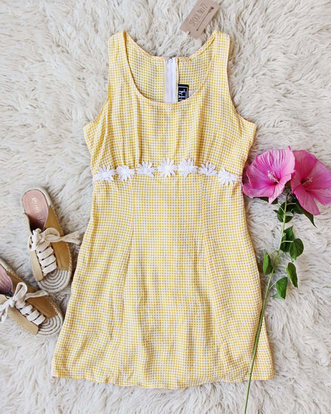 Vintage Daisy 90's Dress: Featured Product Image