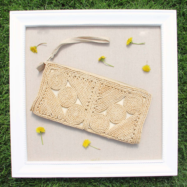 Vintage 60's Woven Clutch: Featured Product Image