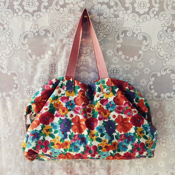 Vintage 70's Boho Tote: Featured Product Image