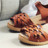 Vintage 70's Woven Sandals: Alternate View #2
