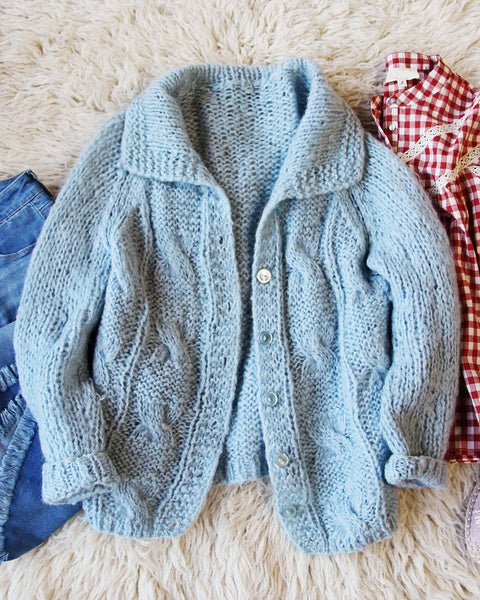 Vintage Retro Spring Sweater: Featured Product Image