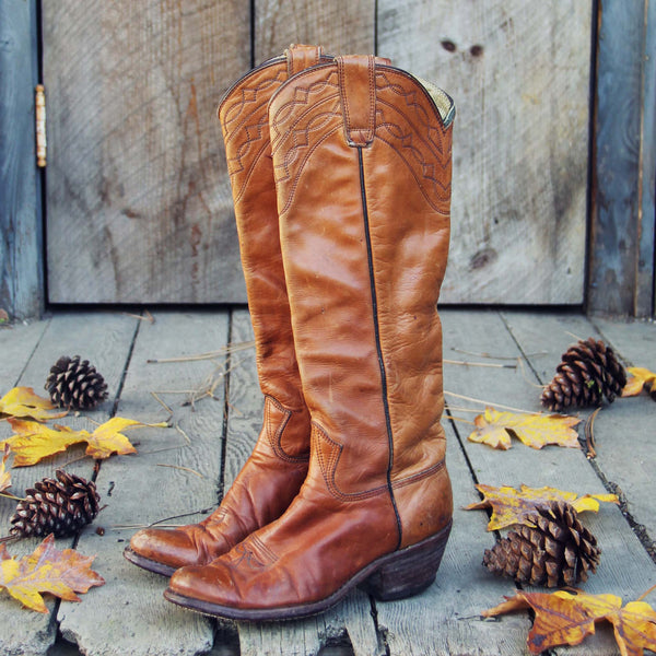Vintage Rugged Boots: Featured Product Image