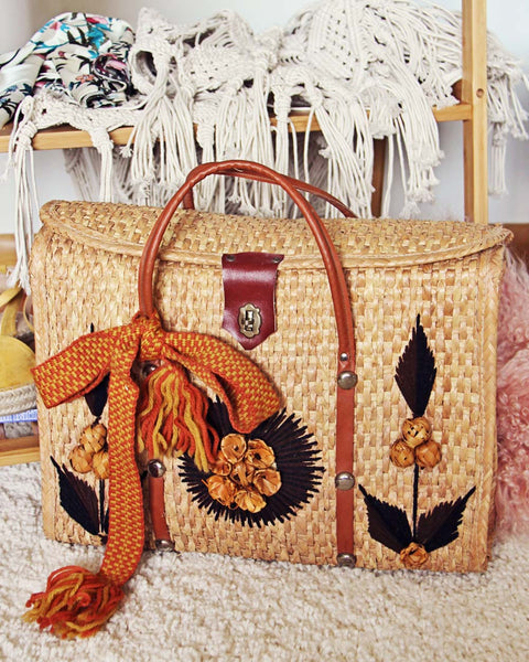 Vintage 70's Woven Tote in Sand: Featured Product Image