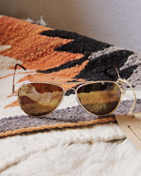Vintage Aviator Sunnies: Featured Product Image
