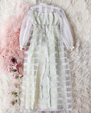 Vintage Daisy Lace Wedding Dress: Alternate View #1