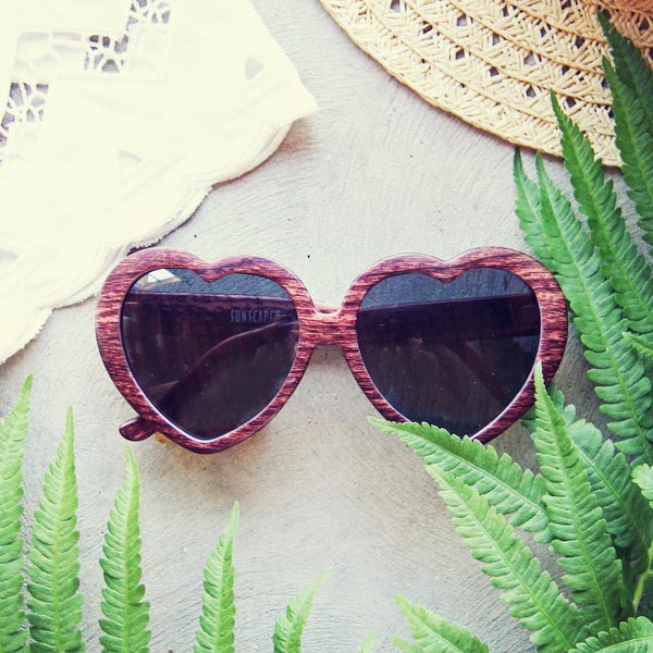 Woodie Heart Sunnies: Featured Product Image