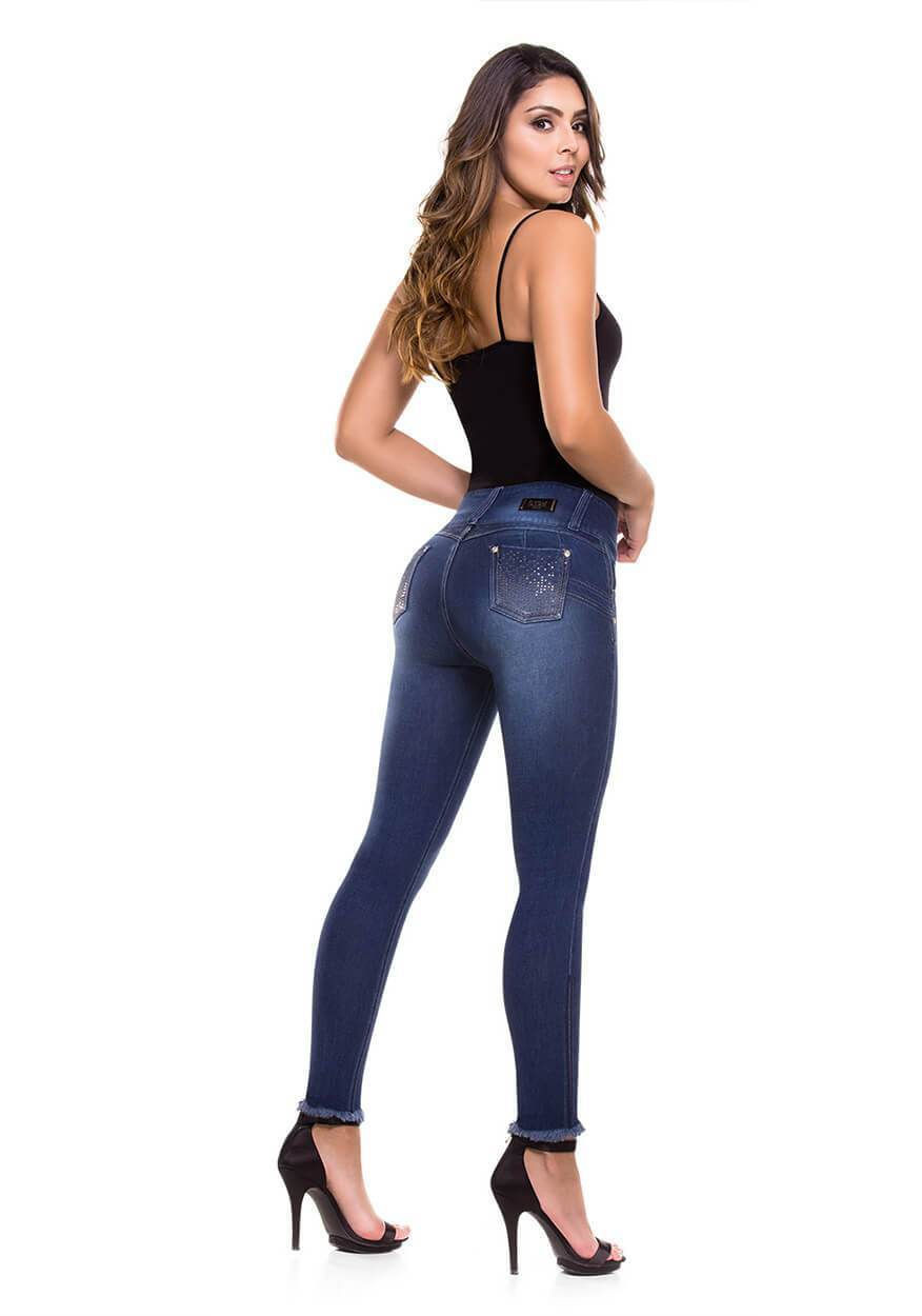 SAMAY - Push Up Jean by CYSM