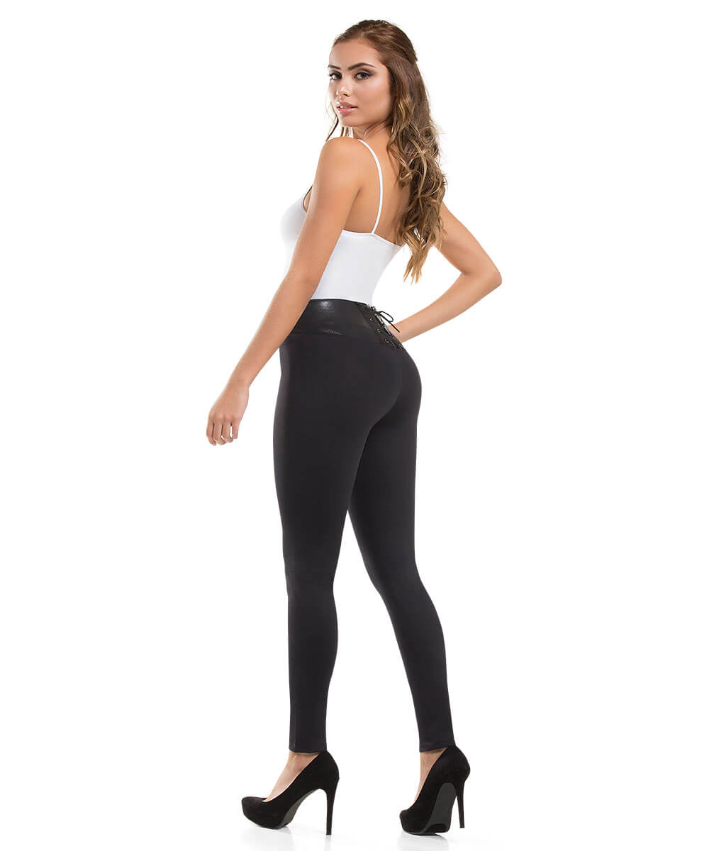 ILIANA LIFTOUCH - Push Up Jean by CYSM