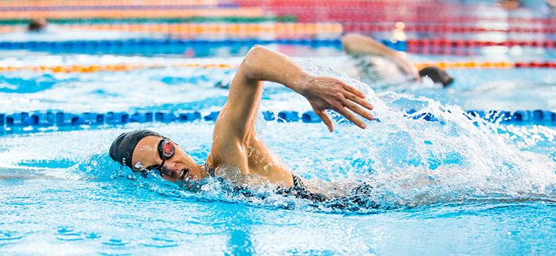 Claire Badenhorst swimming with the FORM Smart Swim Goggles