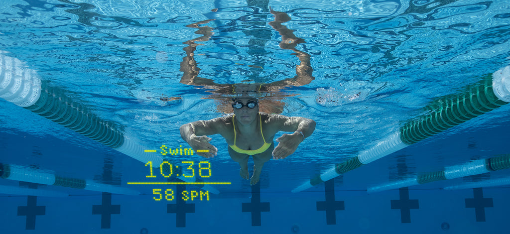 Pool swimming with real time metrics with the FORM Goggles