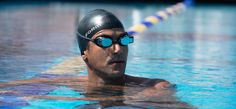 Ous Mellouli swimming with the form smart swim goggles