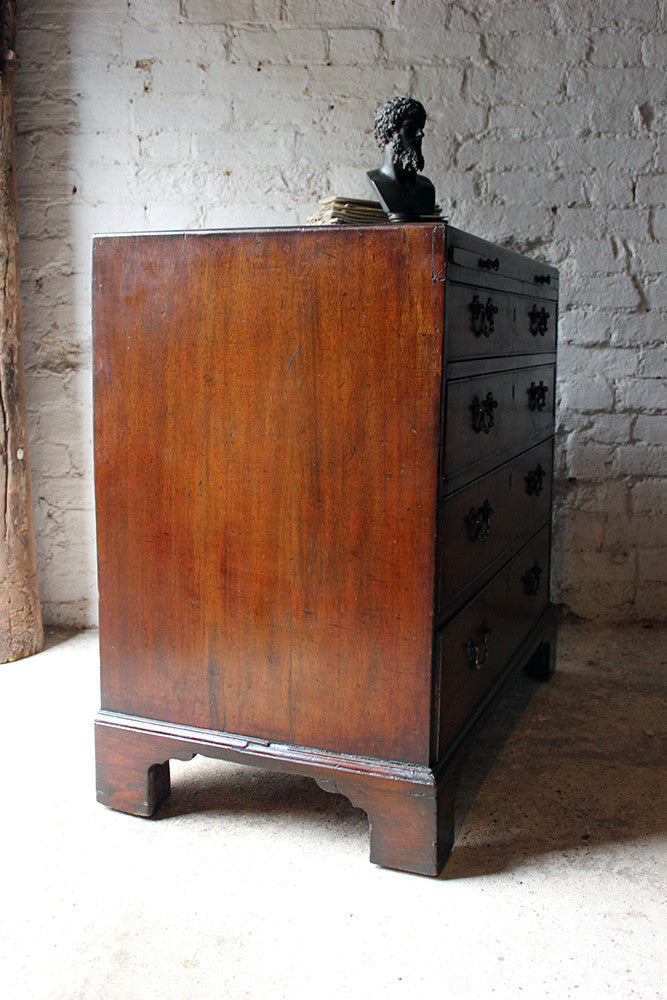 A Handsome George III Mahogany Bachelors Chest of Drawers c.1770