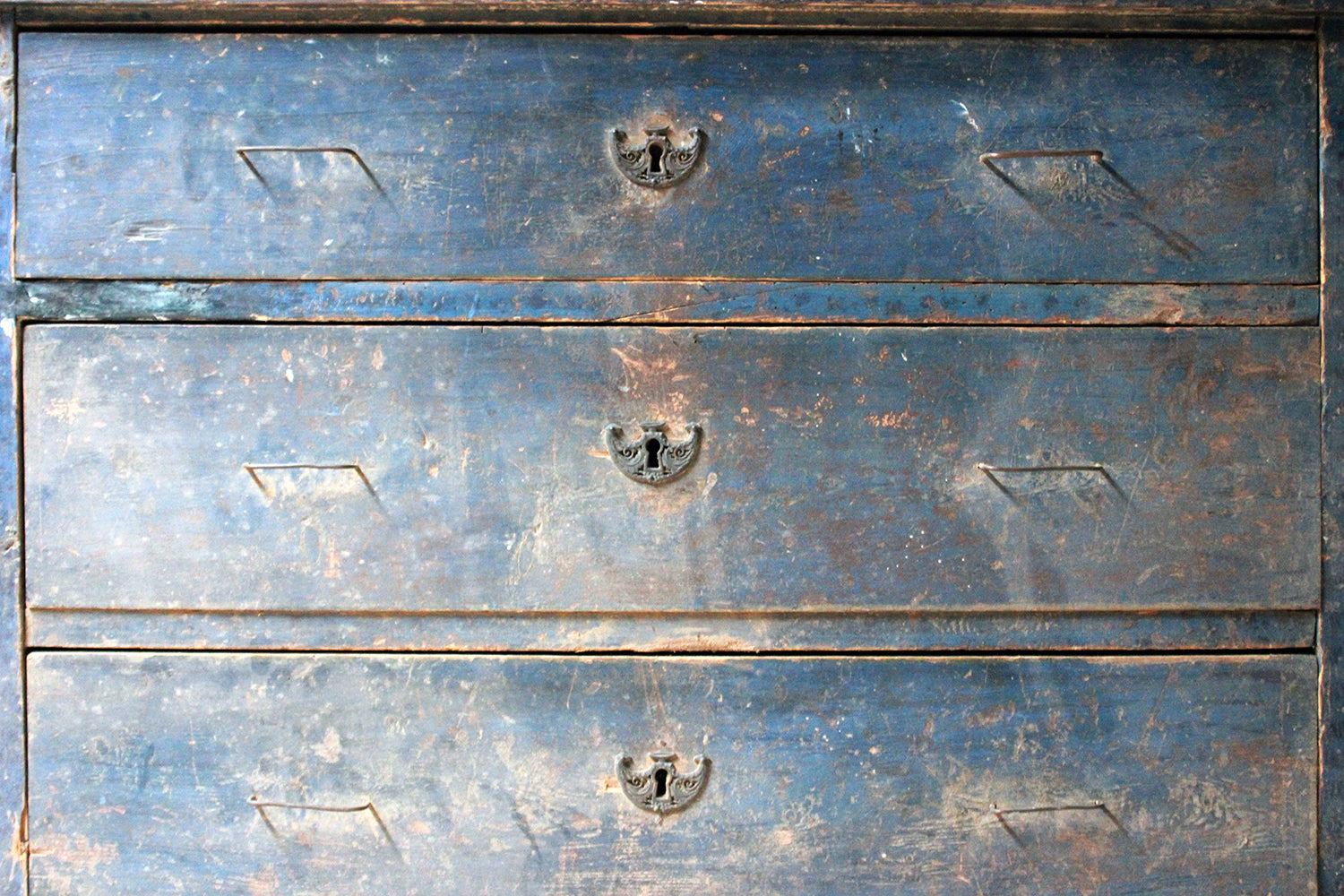 A 19thC Continental Blue Painted Pine Chest of Drawers c.1840