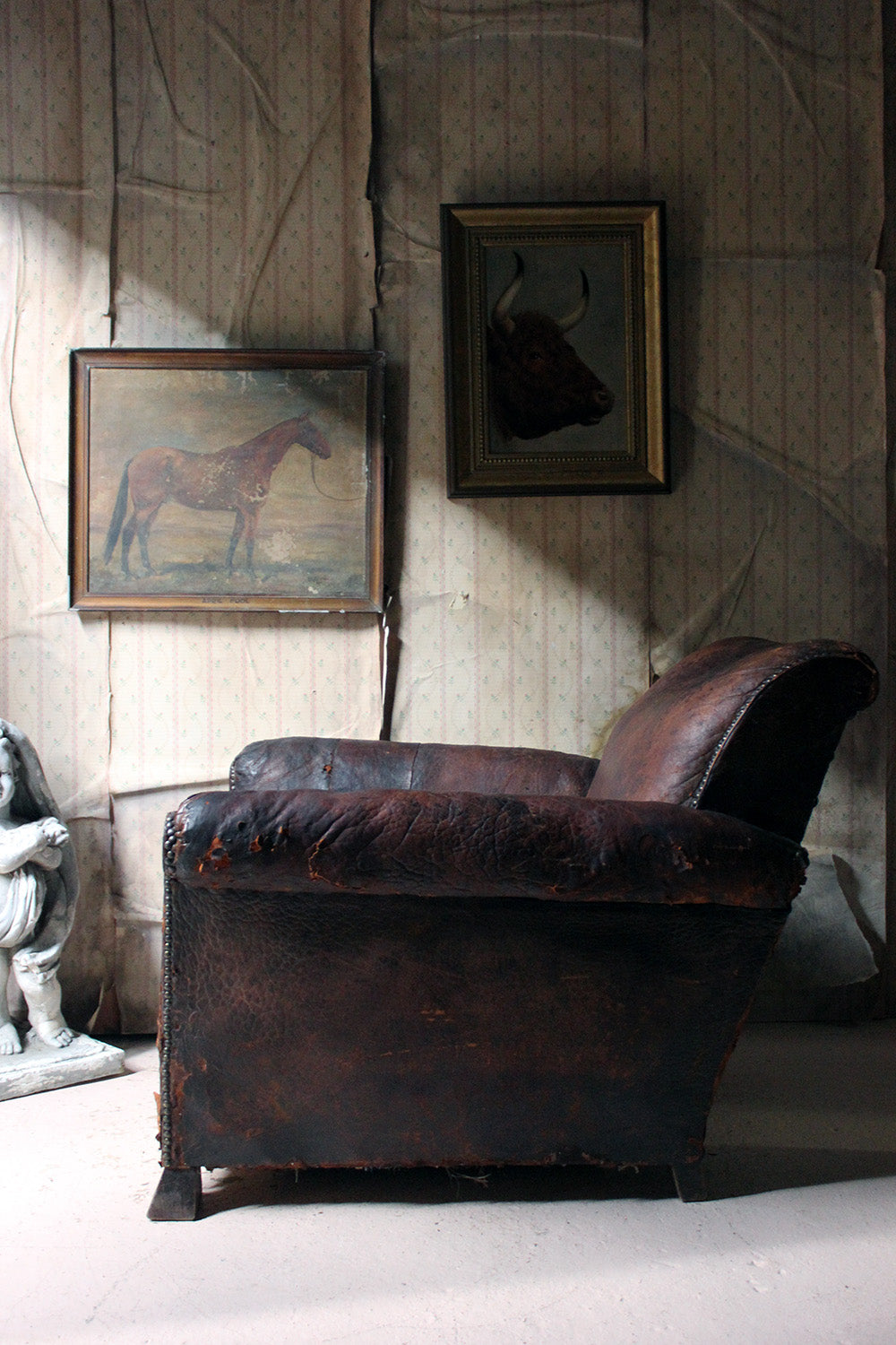 An Early 20thC Leather Club Armchair c.1925-35