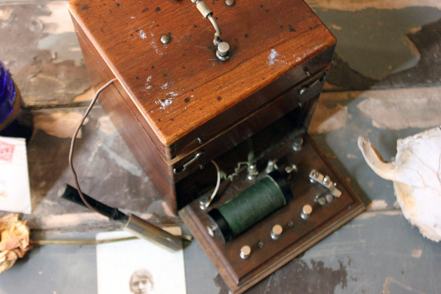 A Victorian Campaign Style Induction Coil Electro Therapy Shock Machine c.1890