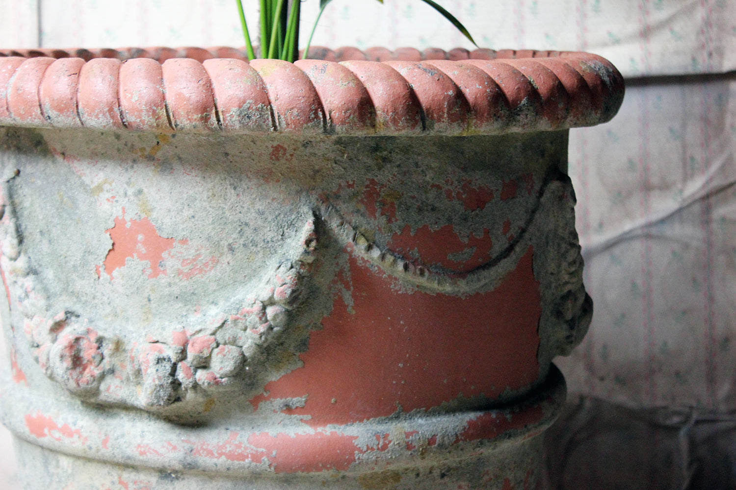 A Large & Attractive Early/Mid 20thC Terracotta Garden Urn c.1930-50