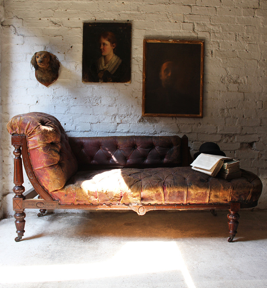 A Gorgeous Victorian Mahogany & Button-Back Leather Upholstered Chaise Longue c.1870