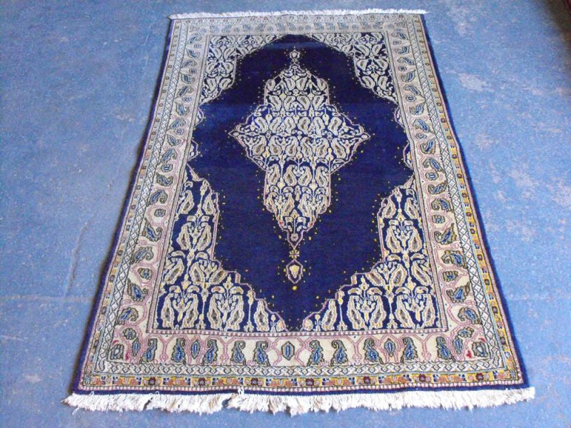 A Handsome Part Silk Semi Old Qum Rug 160cm x 100cm