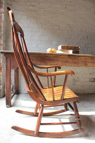 A Superb Mid 19thc Elm Boston Rocking Chair Doe Amp Hope
