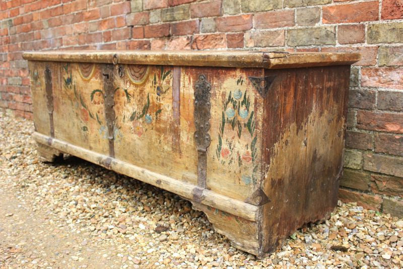 A Very Pretty c.1800 Polychrome Painted Scandinavian Pine Coffer