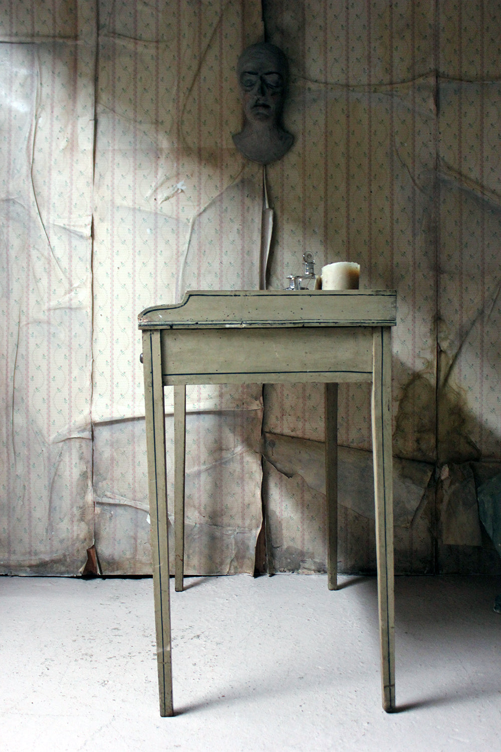 A Late Regency Period Painted Pine Side Table / Washstand c.1825-30