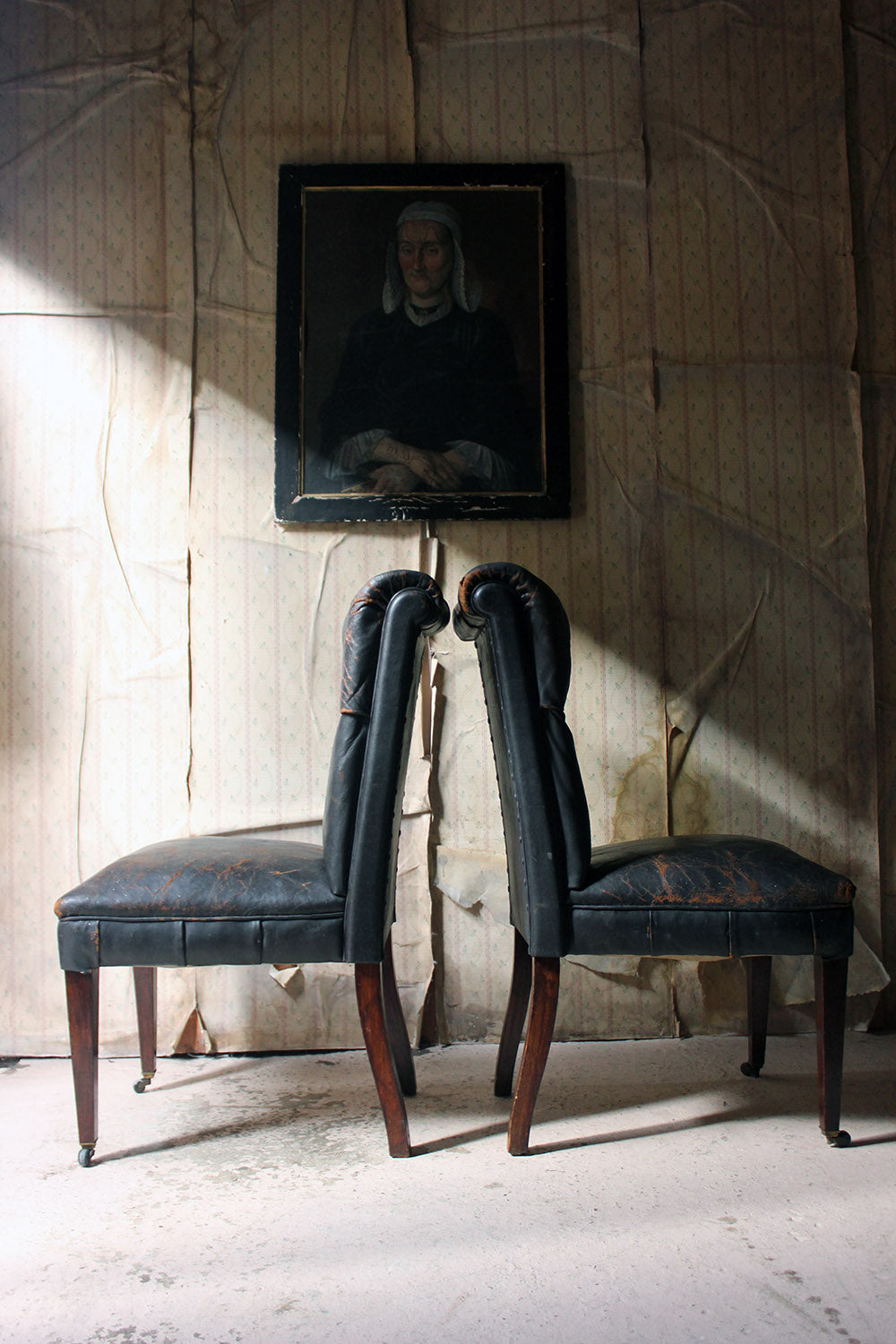 A Pair of 19thC Button-Back Black Leather Upholstered Library Chairs c.1890-1900