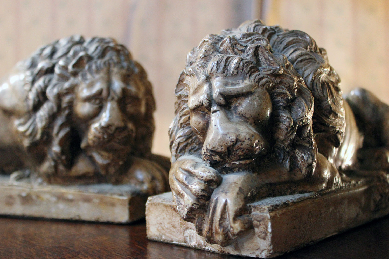 A Pair of 19thC Faux Marble Plaster Lions; After Antonio Canova (1757-1822)