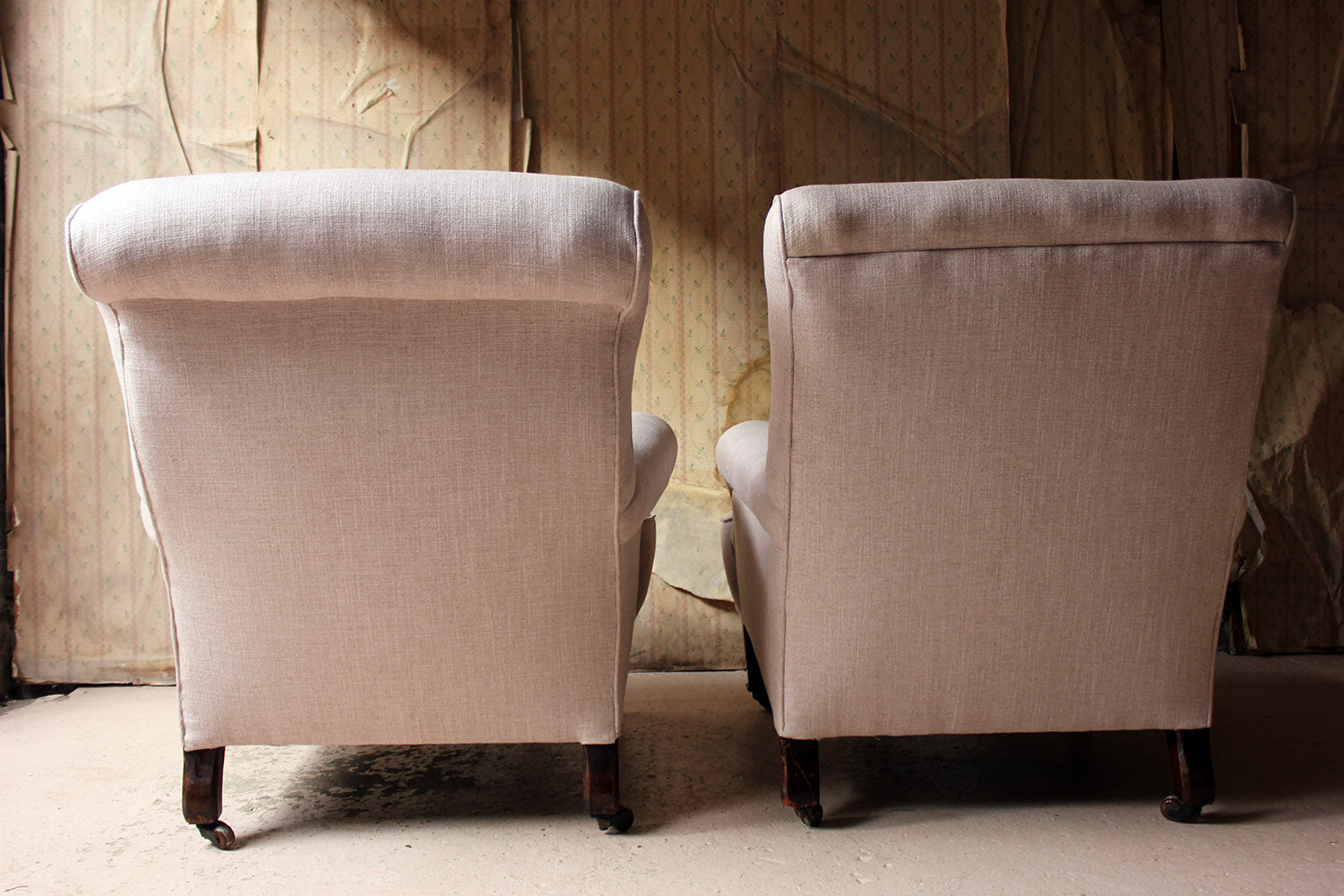 A Near Pair of Edwardian Period Oak & Pink Linen Upholstered Easy Armchairs c.1910