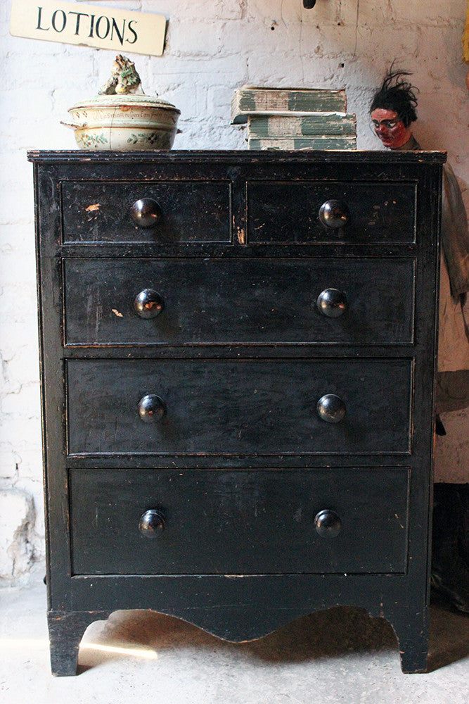 A Very Good West Country Painted Pine Chest of Drawers c.1825