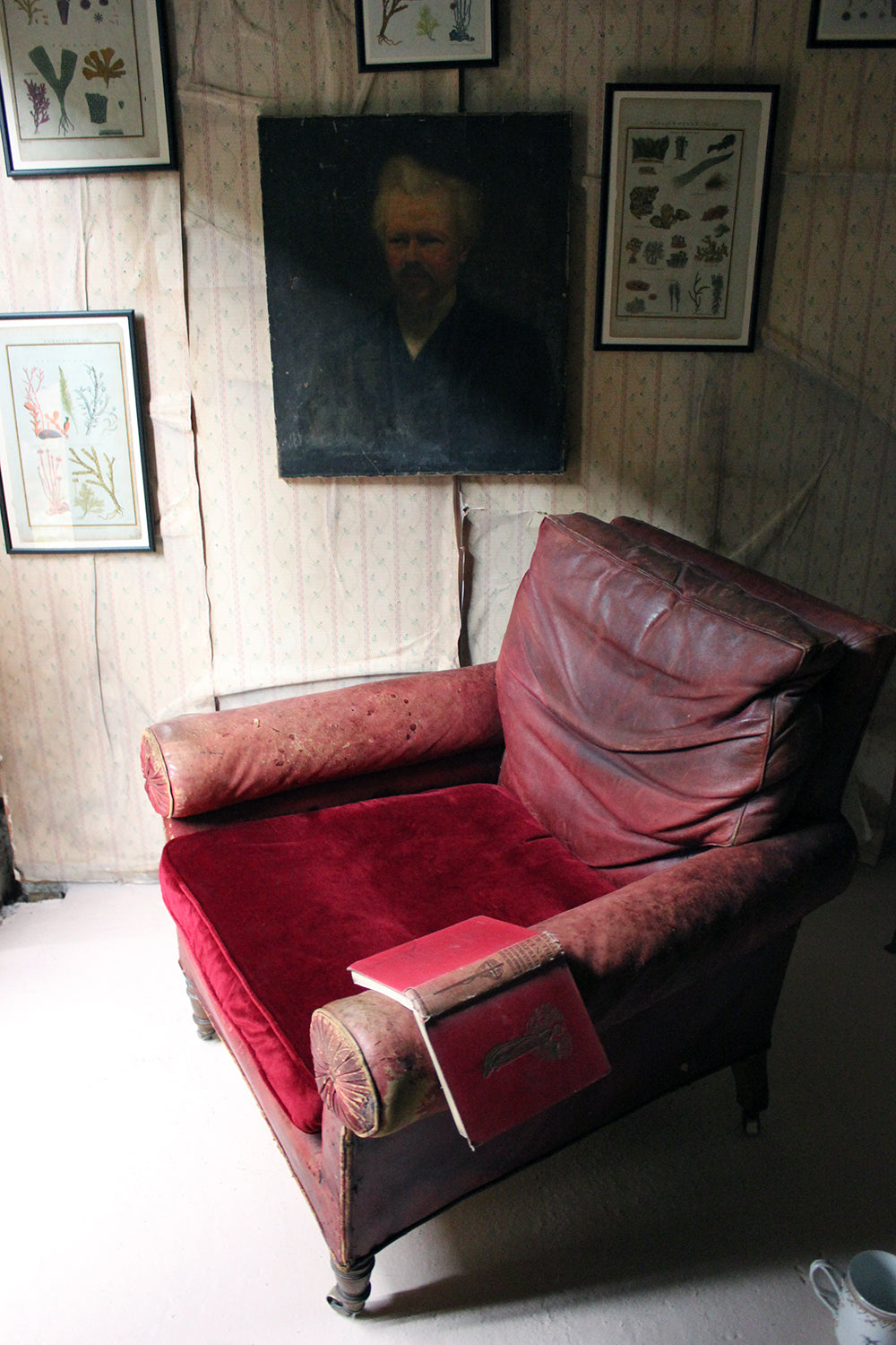 A Large Mid-19thC Oak & Red Morocco Leather Library Armchair c.1850; Fonthill Abbey, Wiltshire
