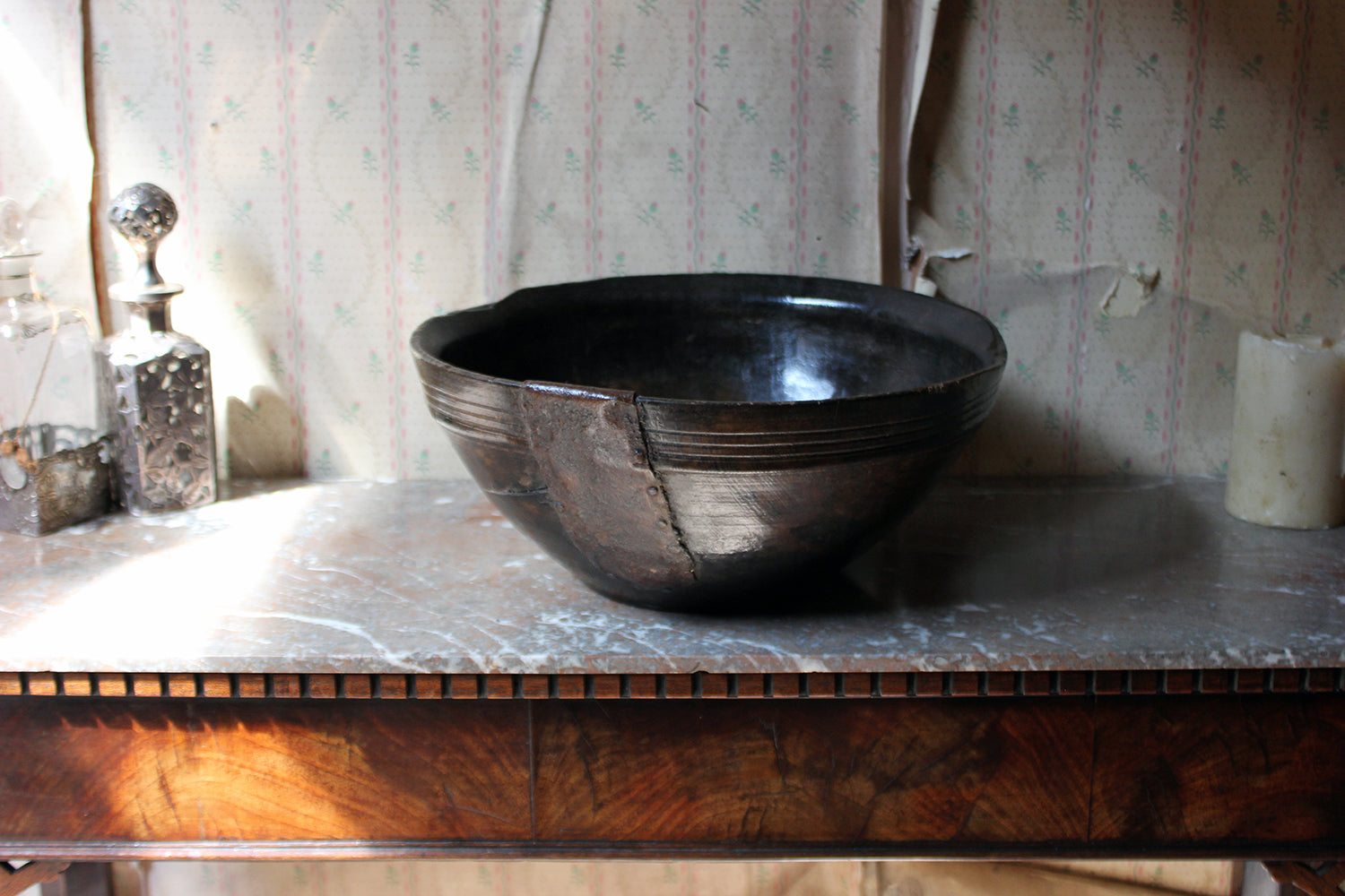 An Early 19thC Repaired Beechwood Bowl c.1830-40