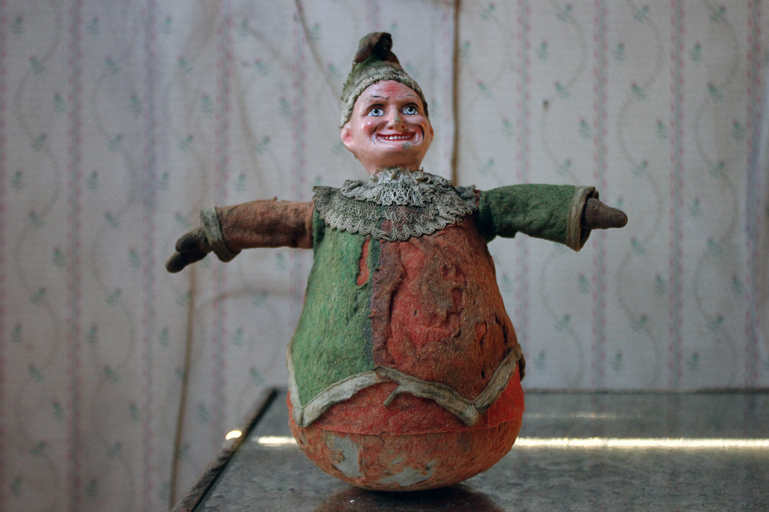 An Early 20thC Mr Punch Roly Poly Toy c.1915-25