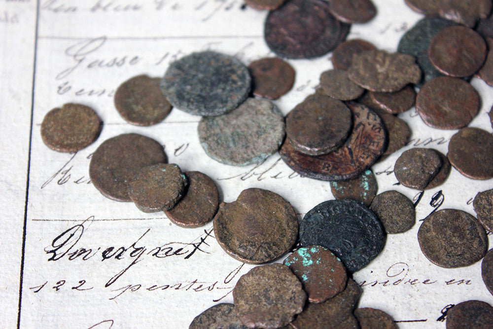 An Interesting Mixed Hoard of 543 Roman Coins 3-4thC AD