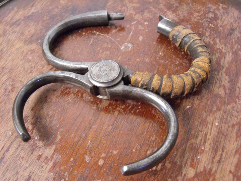 A Scarce 19th Century Hiatt Steel Wrist Grip Restraint & Leader